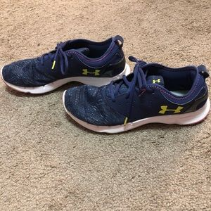 *Under Armour Women's Sneakers Sz 11